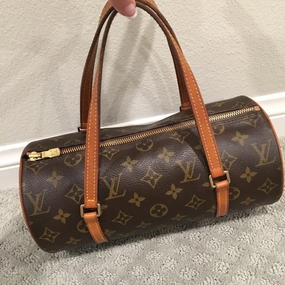 9ad796981303 Louis Vuitton Handbags - Authentic Louis Vuitton Papillon 26 Handbag